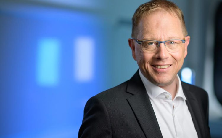 Dr. Adrian Marti neuer Partner bei AWK Group