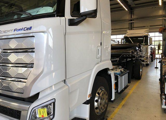 Hyundai liefert die ersten Serien-Wasserstoff-Lkw nach Rothenburg