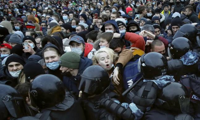 Tausende Russen fordern Nawalnys Freiheit