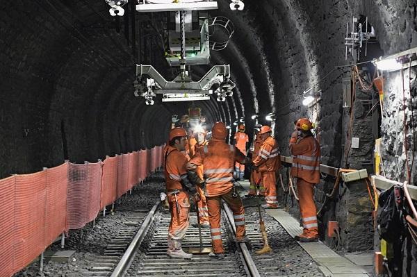 Bauarbeiten im Lötschberg-Scheiteltunnel