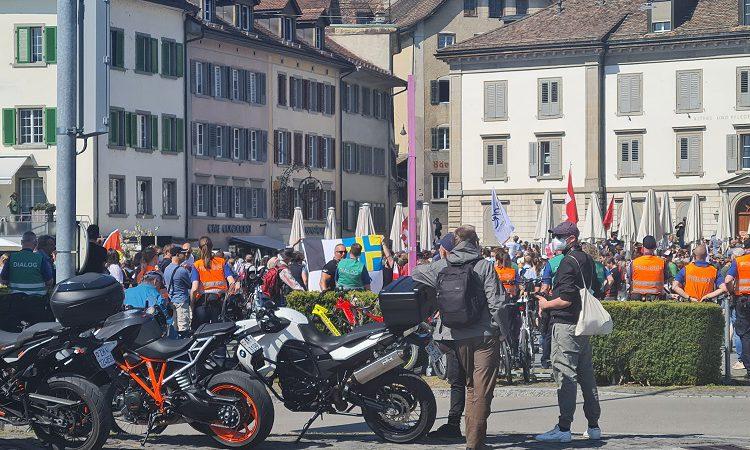 In Rapperswil über 10'000 Menschen protestieren